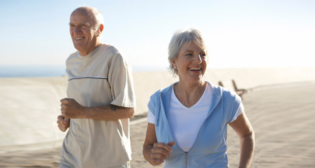 old-couple-jogging-healthy-ageing