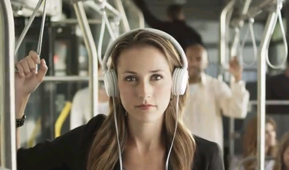Young-woman-in-Amazon-Audible-audiobook-ad-showing-WhisperSync-for-voice